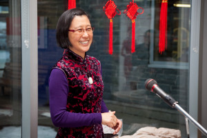 Yongmei Wang introducing guest speakers at China's Day of the Multicultural Week at Keshen Goodman library.   王咏梅正在图书馆多元文化周的中国日上介绍演讲人。